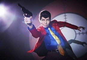 No Further Lupin the Third Cosplay Shows How Posing and Subtle Makeup Can Sell the Whole Getup