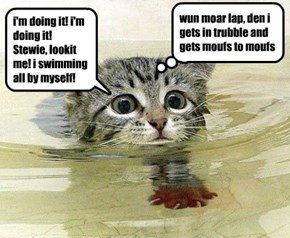 Bethie surprizes herself in da swimming lesson