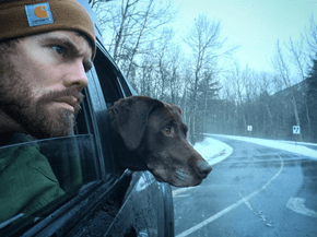 Marine Takes His Beloved Labrador on a Farewell Trip Across the Country After She's Diagnosed With Cancer