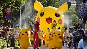 Army of over a Thousand Pikachus Storms City in Japan