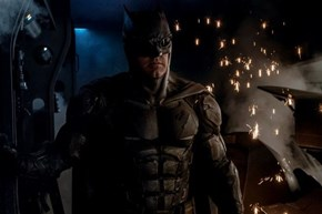 Zack Snyder Givin Us Our First Look at Batman's Tactical Suit in Justice League Movie