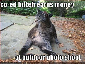 co-ed kitteh earns money  at outdoor photo shoot
