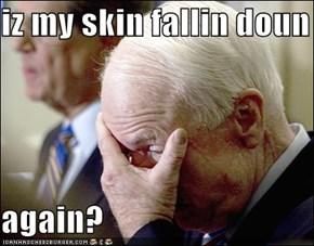 iz my skin fallin doun  again?