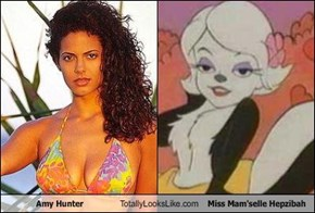 Amy Hunter Totally Looks Like Miss Mam'selle Hepzibah