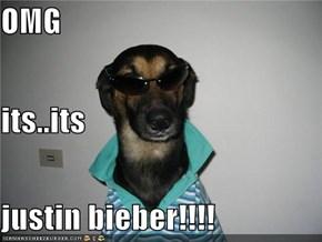 OMG its..its justin bieber!!!!