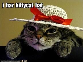 i haz kittycat hat :)