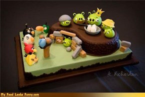 Funny Food Photos - Angry Birds Cake
