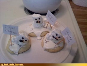 Funny Food Photos - Melting Snowman Cupcakes