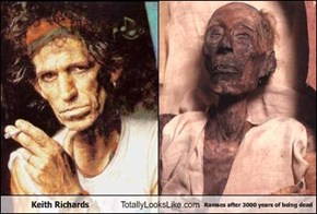 Keith Richards Totally Looks Like Ramses after 3000 years of being dead