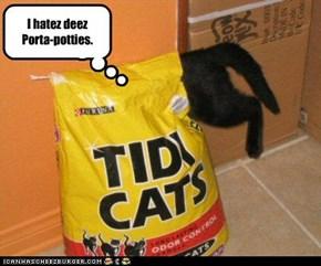 I hatez deez Porta-potties.