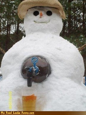 Funny Food Photos - Snowman Beer Dispenser