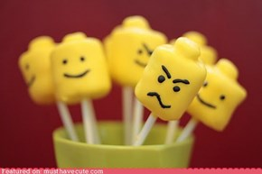 Epicute: Minifig Marshmallow Pops