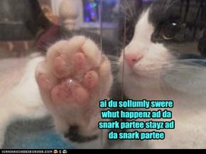 be4 entring da partee - awl gests muzt tayke da oaf