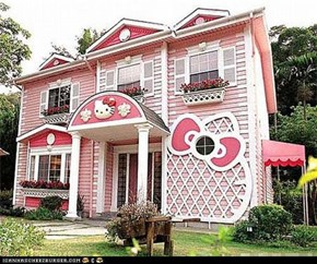 Hello Kitty House in China is Awfully Purrdy, Dontcha Think?