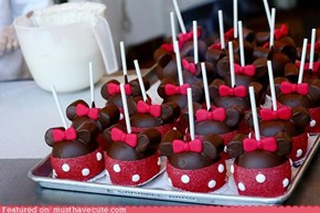 Epicute: Minnie Mouse Cake Pops