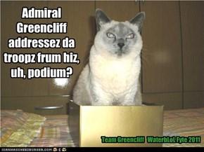 Admiral Greencliff addressez da troopz frum hiz, uh, podium?
