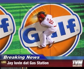 Breaking News - Jay luvin dat Gas Station