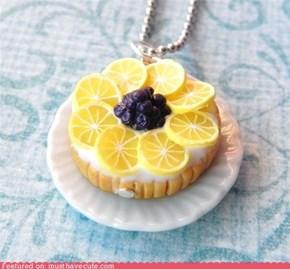 Lemon tart pendant
