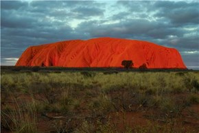 Uluru (Ayer's Rock), Mutitjulu, Northwest Territory, Australia