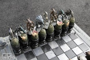 WIN!: Alien Chess Set WIN