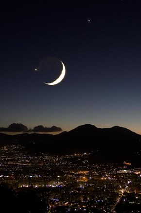 Moon, Jupiter, Venus on Palermo